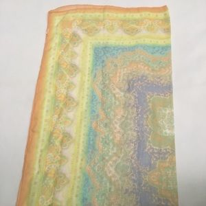 Accessories - Light Yellow Paisley Print Recrangle Hijab Scarf